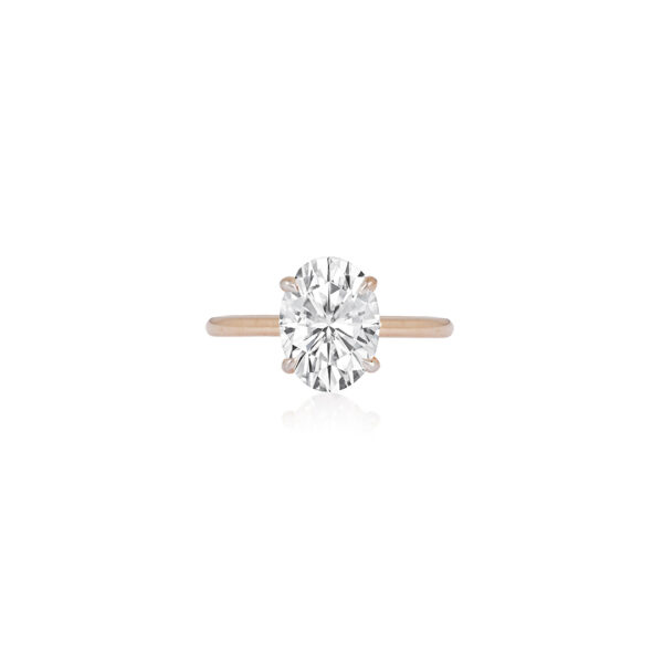 Grand Oval Classic Fine Gold Ring